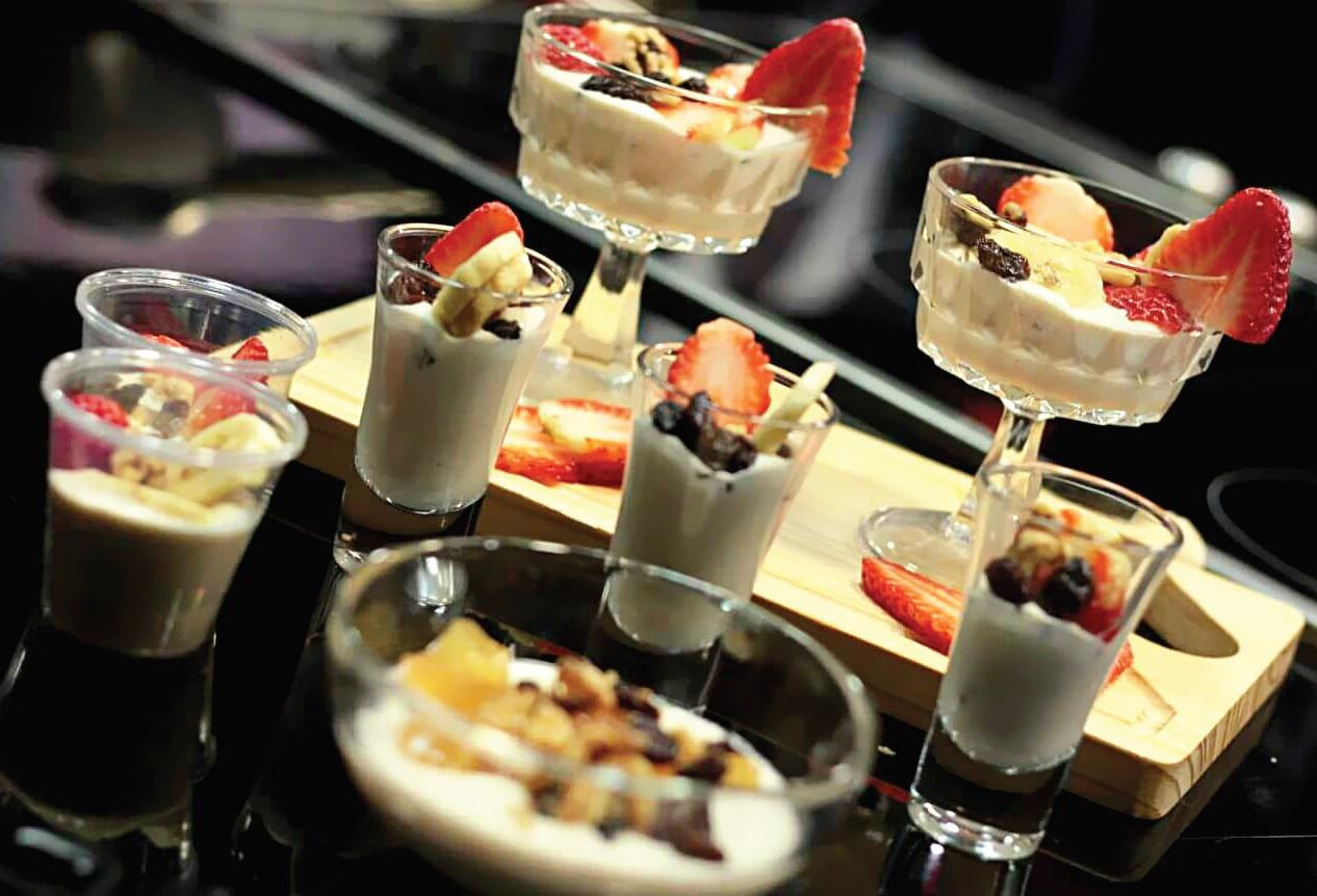 Cremoso queso de cabra con topes de fresas por la Chef: Teresa Mieses Auffant