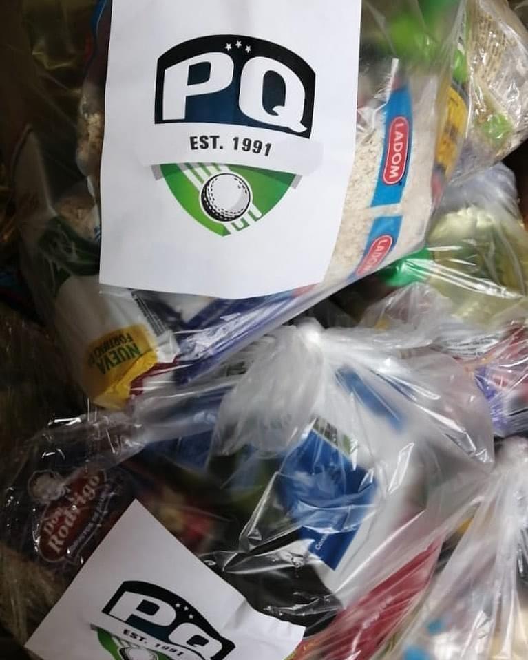 Fundación PQ entrega alimentos a caddies del país