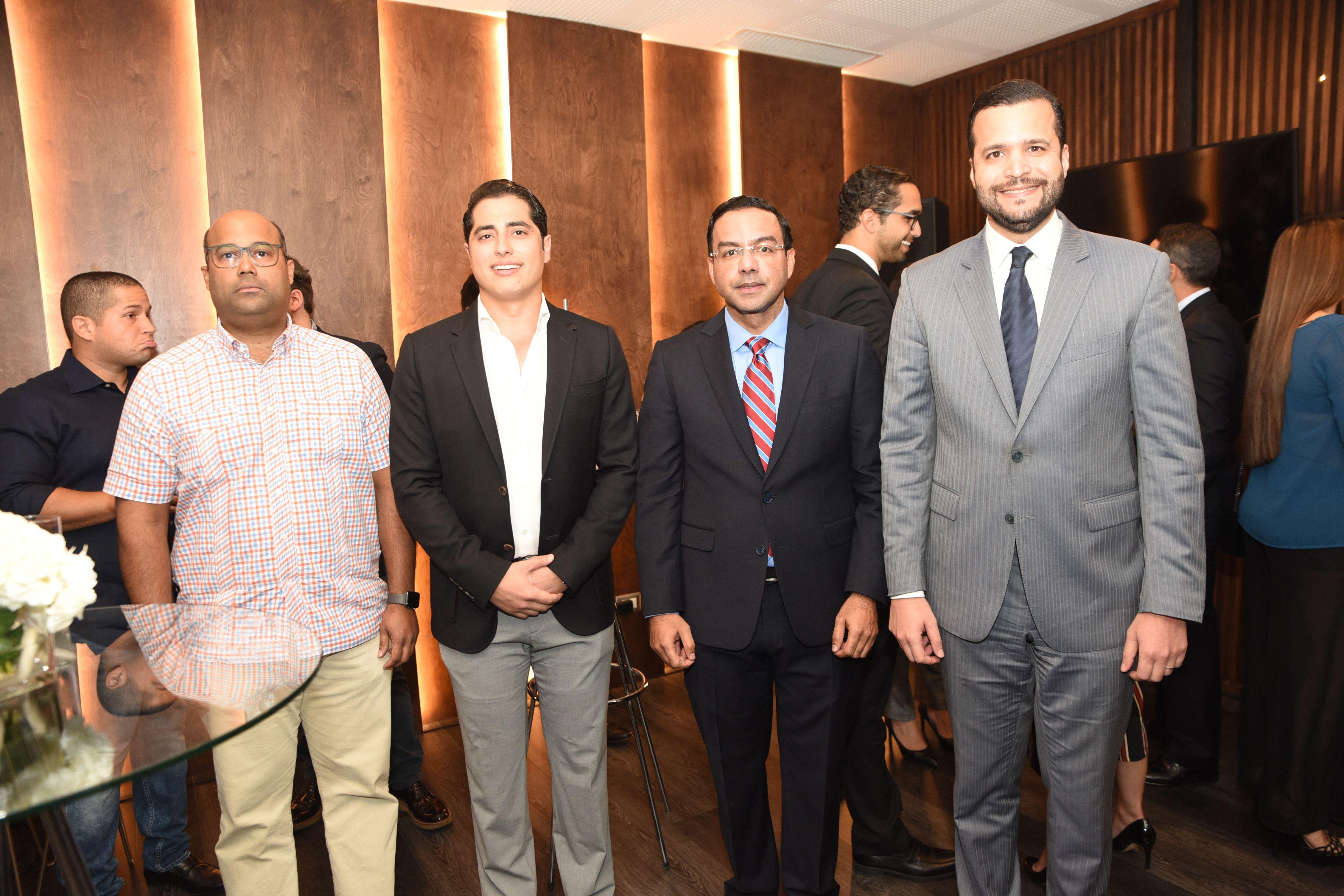 Nader Enterprises inaugura Thrive en Torre Blue Mall