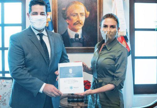 <p>ADN y Cl&uacute;ster de Salud Santo Domingo lanzan &quot;Manual Municipal para la Prevenci&oacute;n del Covid 19&quot;</p>
