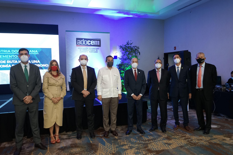 <p>ADOCEM establece Hoja de Ruta del cemento&nbsp;hacia una econom&iacute;a baja en carbono</p>