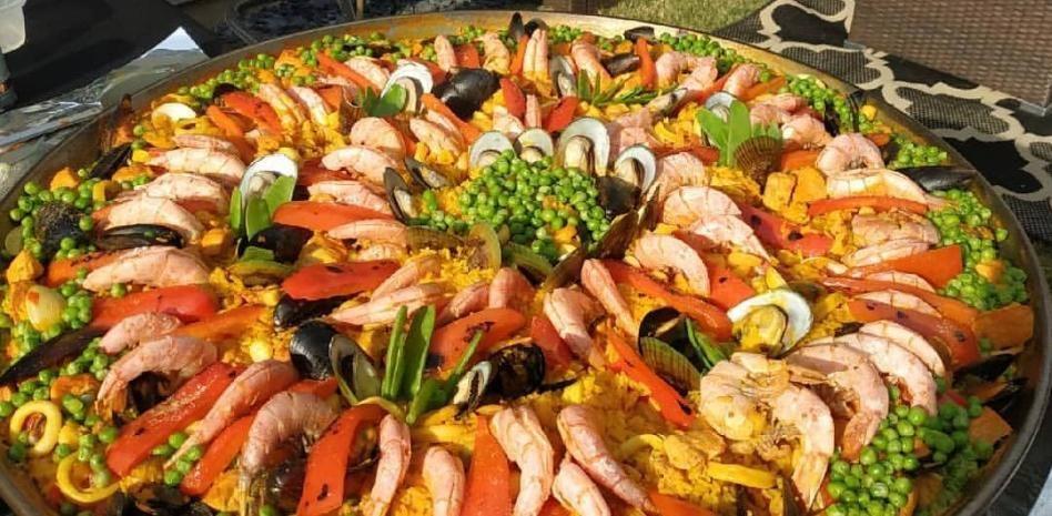 Las paellas que triunfan en Atlanta y cuyo aspecto sorprendería a los valencianos