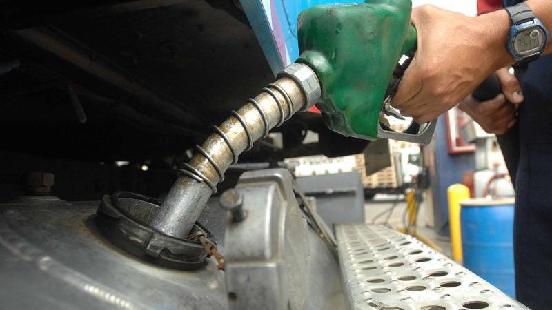 Coronavirus: Combustibles bajan a excepción del gas natural