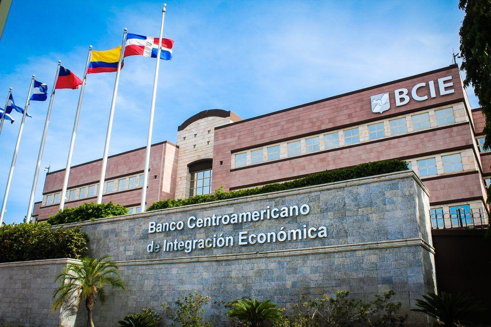 <p>Banco Centroamericano de Integraci&oacute;n Econ&oacute;mica ha aprobado US$783.8 millones proyectos en RD</p>