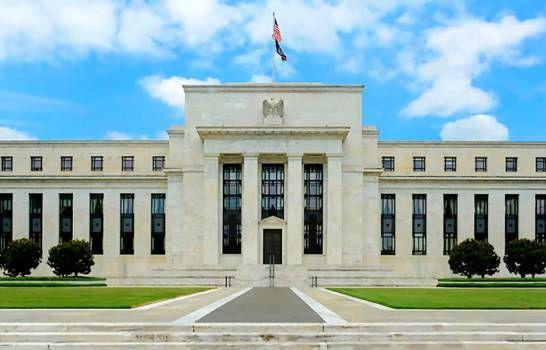 Reserva Federal establece plan para satisfacer creciente demanda extranjera de dólares