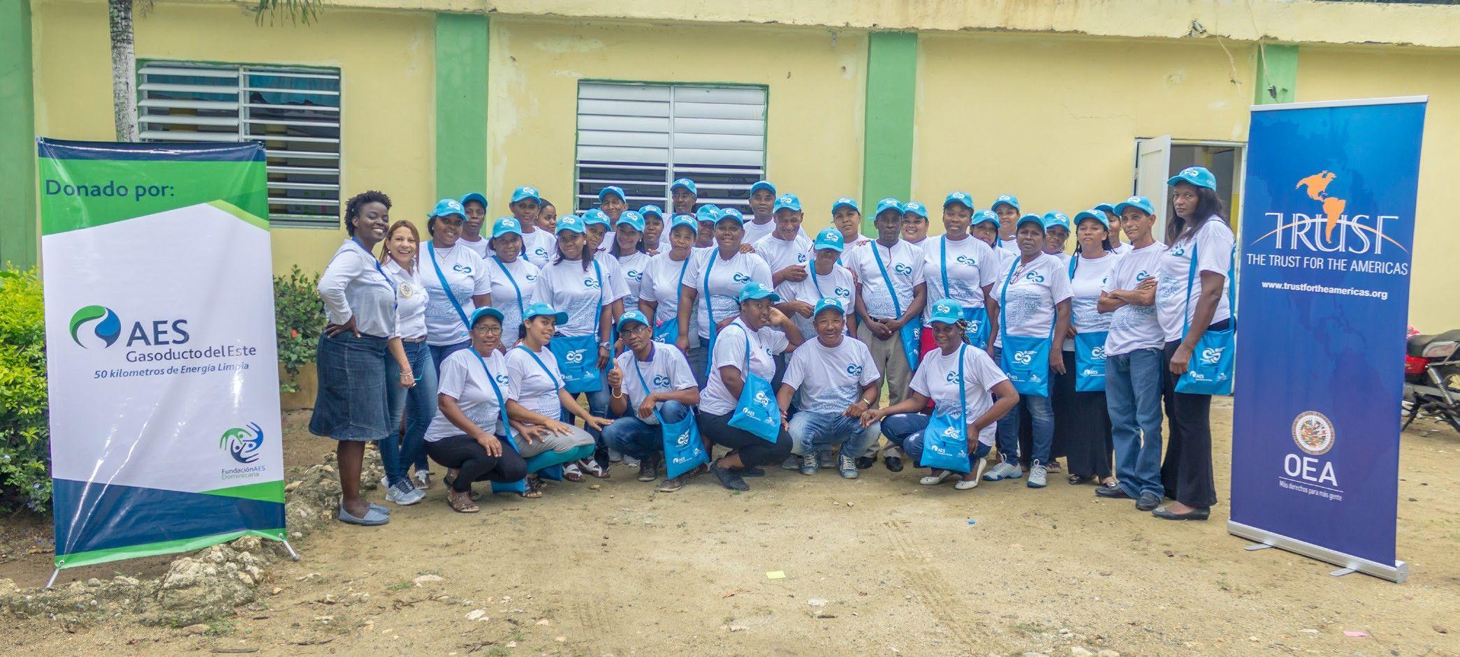 Fundación AES Dominicana y The Trust for the Americas impulsan a emprendedores