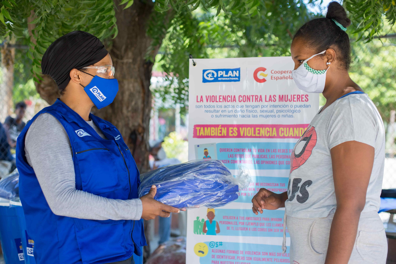 <p>ONG entrega donaciones financiadas por Espa&ntilde;a para paliar efectos del coronavirus</p>