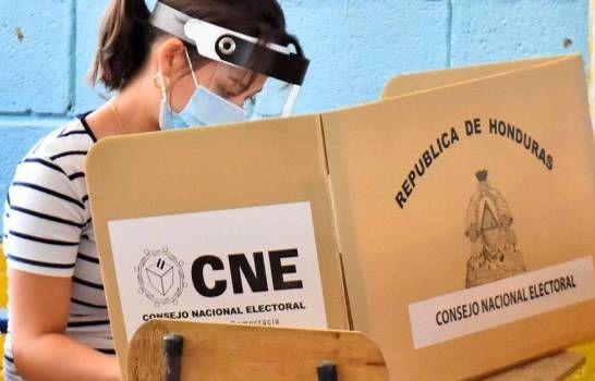 """<h1>Ven como una """"burla"""" el plan para registro electoral de hondureños en EEUU</h1>"""