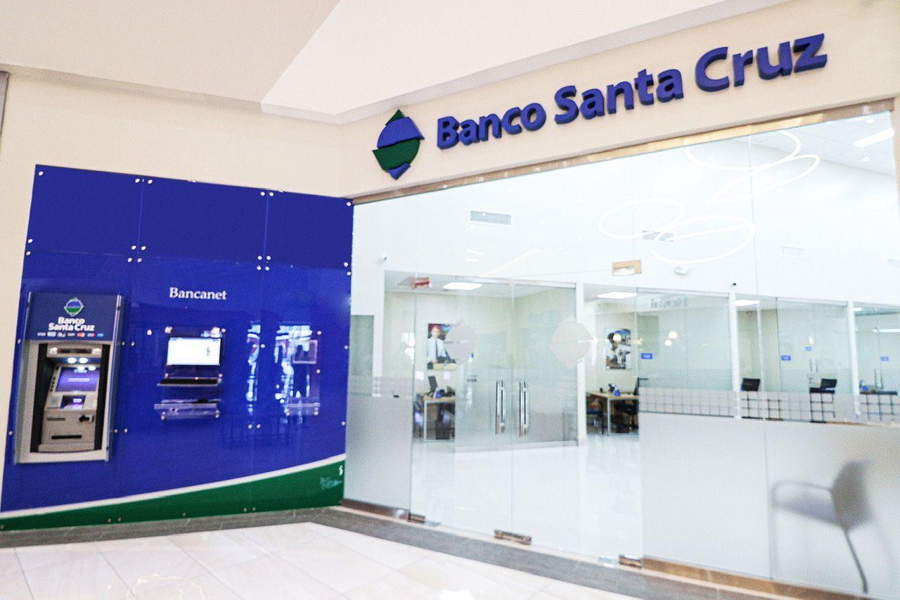 <p>Banco Santa Cruz abre un &nbsp;nuevo&nbsp;Centro de Negocios</p>