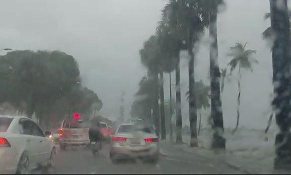 <p>Onamet: Aguaceros moderados a fuertes con tormentas el&eacute;ctricas por onda tropical</p>