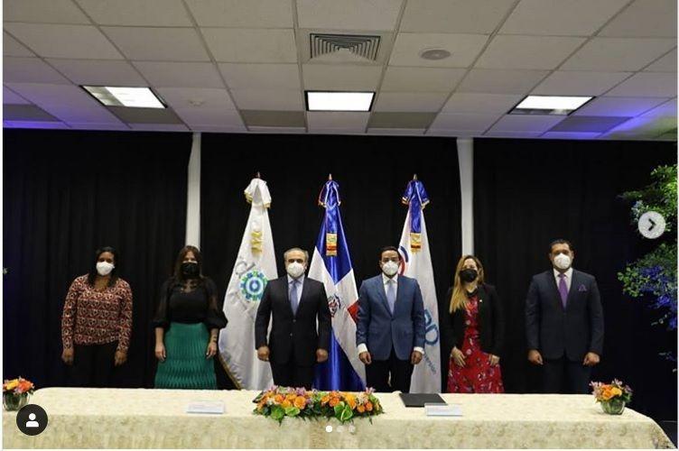 <p>AIRD y CEI - RD firman convenio ecol&oacute;gico</p>