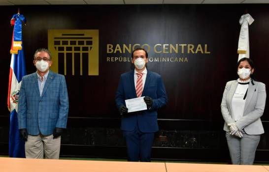Voluntariado del BC dona RD$2 MM a Procuraduría