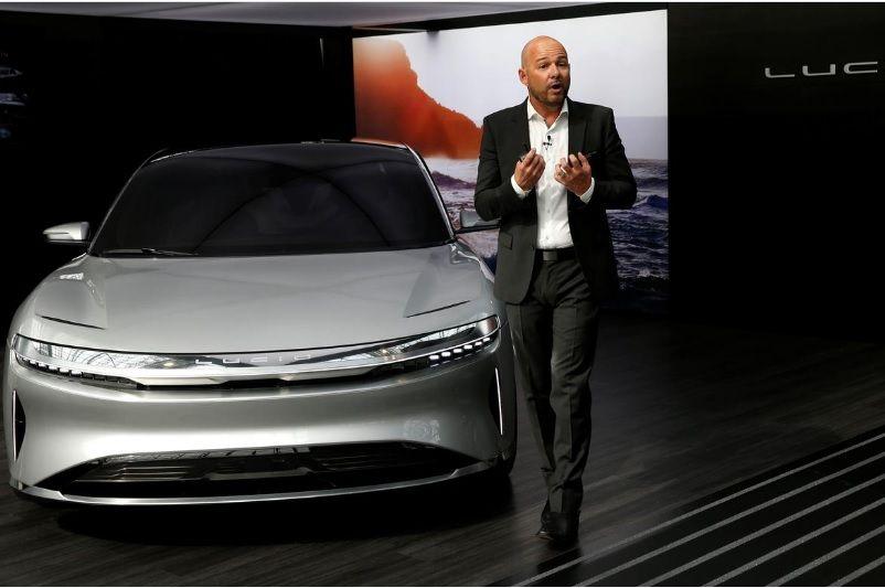 <p>El rival de Tesla ofrecer&aacute; un sed&aacute;n semiautom&aacute;tico Lucid Air a principios de 2021</p>
