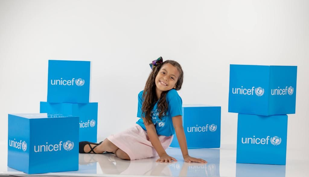 <p><strong>UNICEF se viste de azul en celebraci&oacute;n por el D&iacute;a Mundial de los Ni&ntilde;os</strong></p>