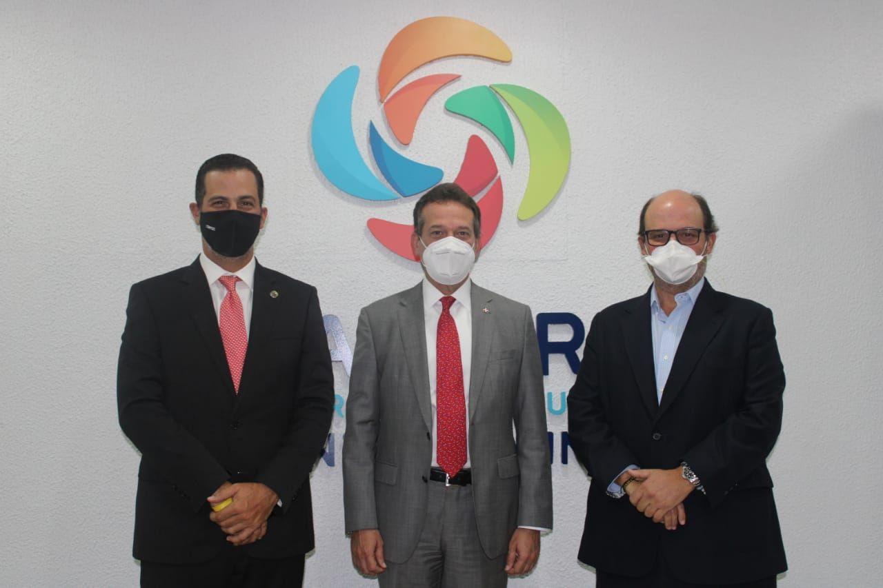 <p><strong>Pr&oacute;ximo ministro de Industria y Comercio realiza visita de cortes&iacute;a a la C&aacute;mara Santo Domingo</strong></p>