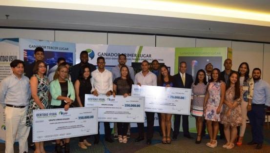 """AES Dominicana premia ganadores de concurso """"Identidad Visual Parque Energético Los Mina"""