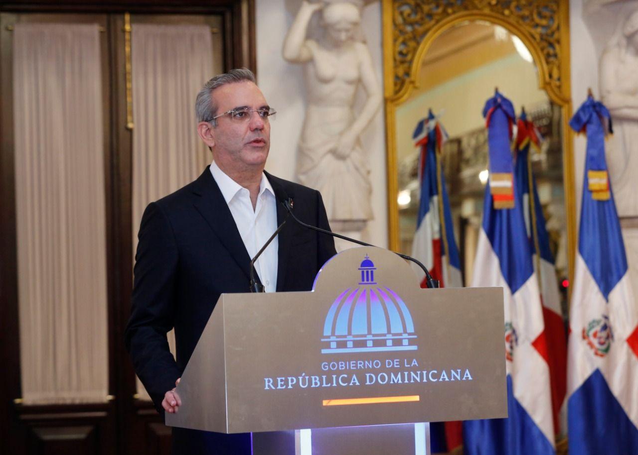 <p>Presidente Abinader entrega Premio Nacional a la Calidad del Sector P&uacute;blico</p>