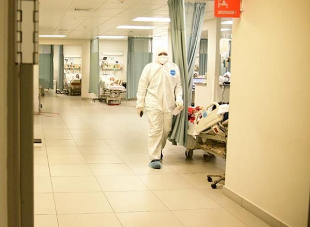 <p>El aumento de contagios por Covid-19 empieza a disminuir la disponibilidad de camas</p>