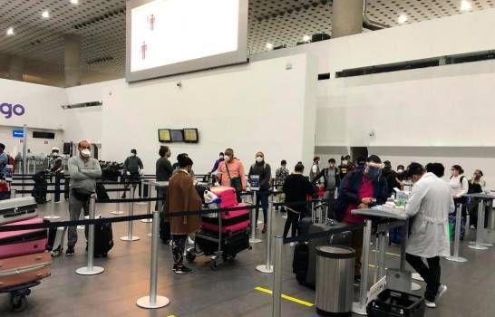 Las nuevas recomendaciones para viajar en avión por el COVID-19