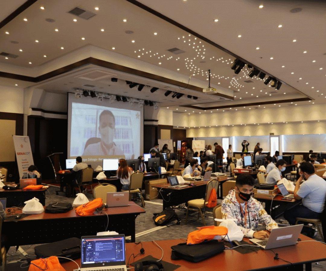 <p>Cerca de 400 aprendices participaron en SenaSoft, la competencia tecnol&oacute;gica del Sena</p>