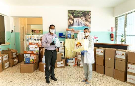 Fundaciones entregan insumos médicos y alimentos en Santiago y Puerto Plata