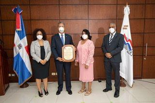 <p>Ministerio de Trabajo reconoce&nbsp;al Popular por su&nbsp;plan de seguridad y salud</p>