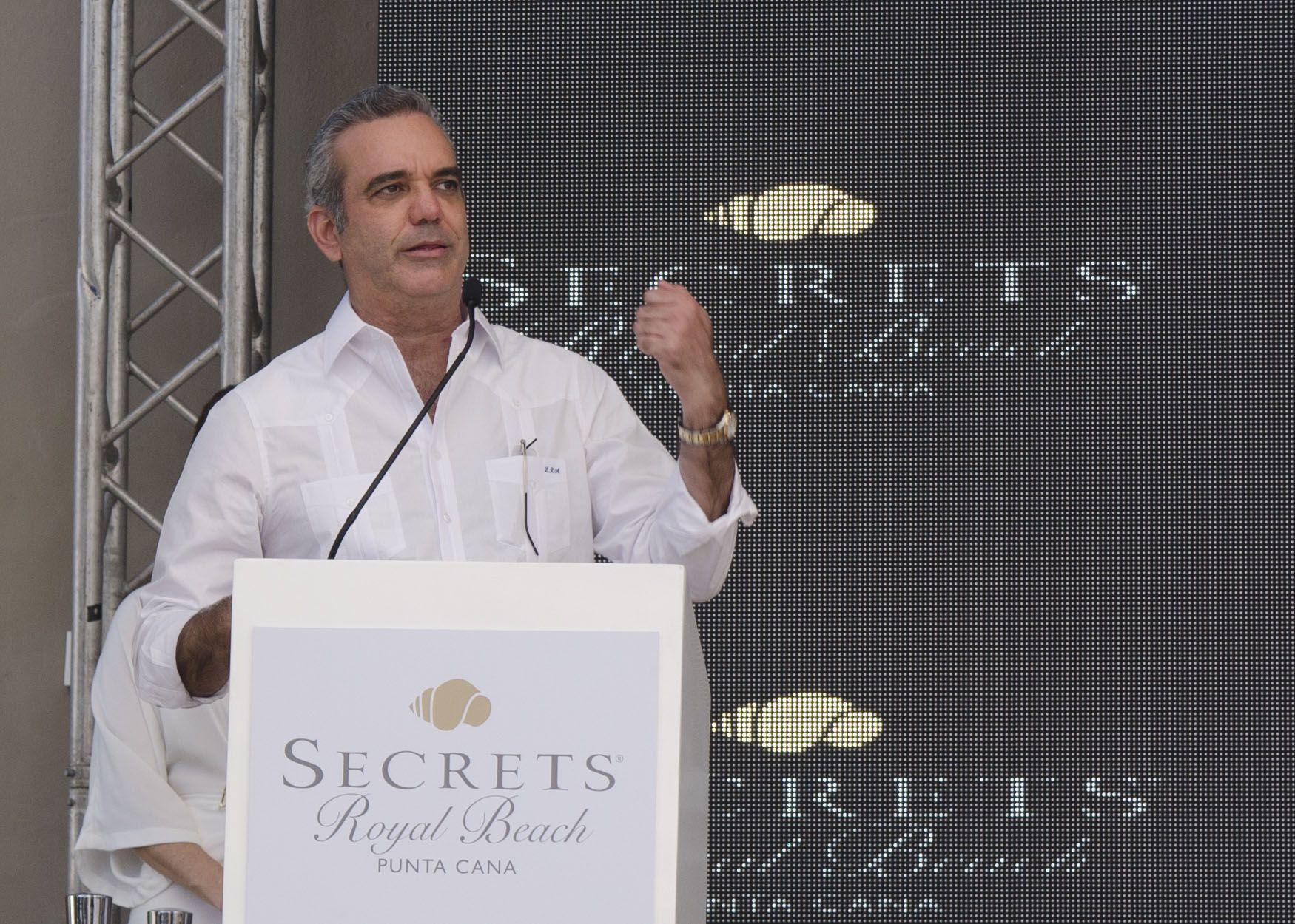 <p>Presidente Luis Abinader inaugura Hotel Secrets Royal Beach Punta Cana</p>