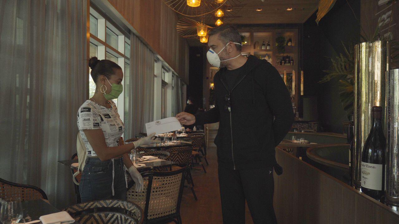 """Cerveza Modelo inicia plan para apoyar económicamente a meseros y restaurantes con la iniciativa""""Tu Propina Especial"""""""