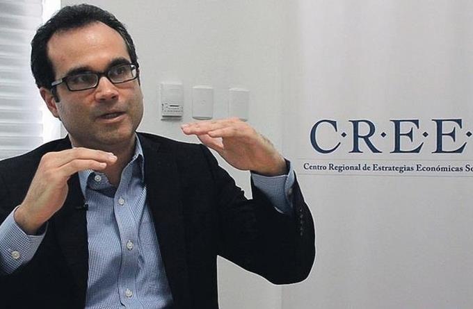<p>Economista ve al nuevo gobierno forzado a reforma fiscal y mantener deuda externa</p>