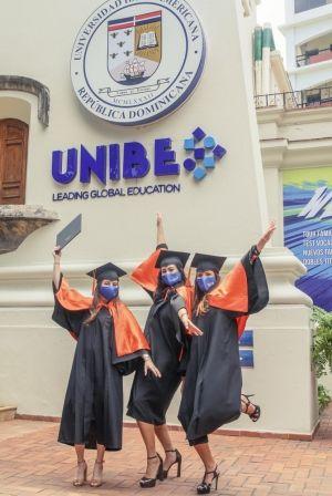 <p>UNIBE grad&uacute;a 546 nuevos profesionales en graduaci&oacute;n virtual</p>
