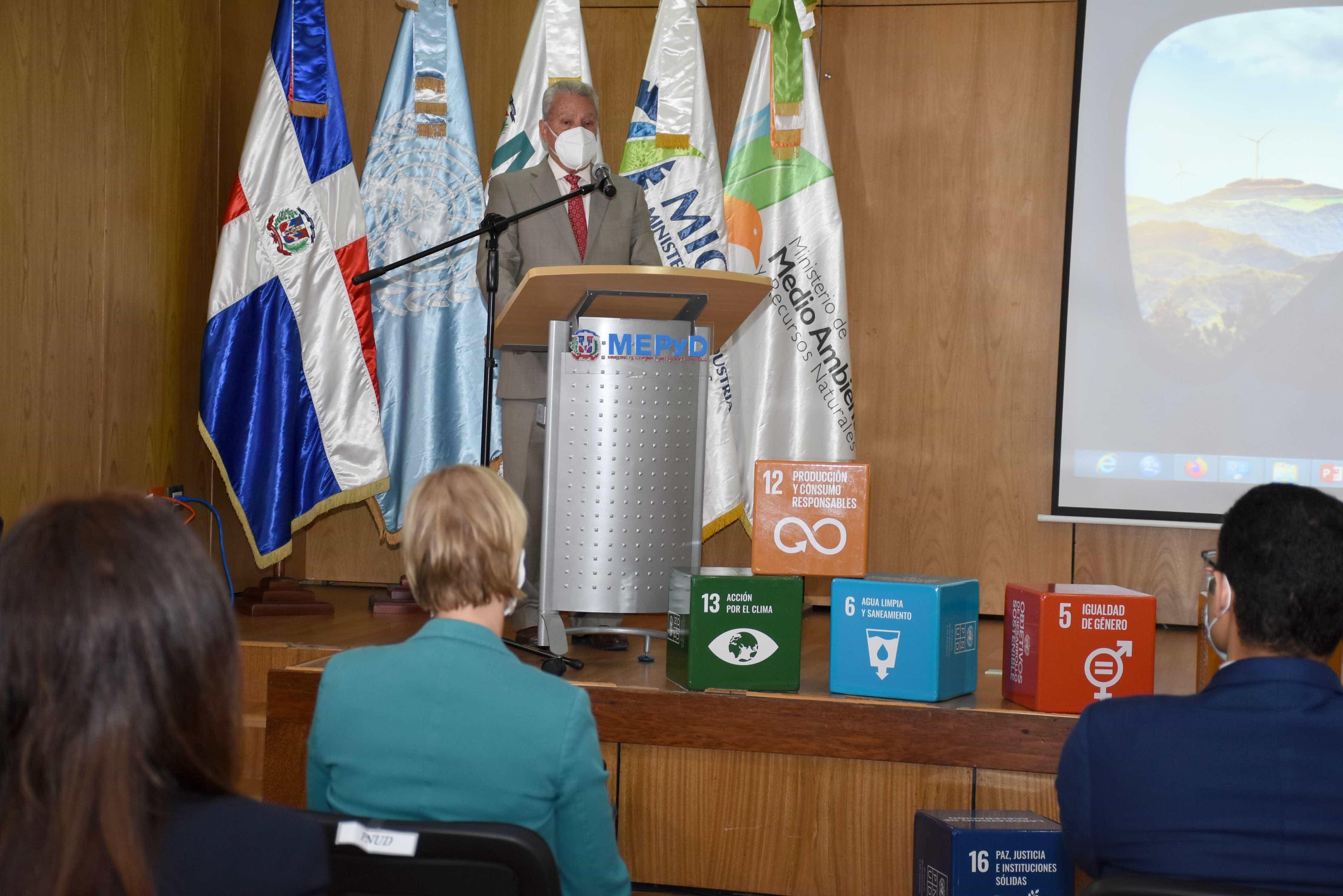 <p>Comisi&oacute;n de Desarrollo Sostenible presenta la Hoja de Ruta de Producci&oacute;n y Consumo Sostenible en RD</p>