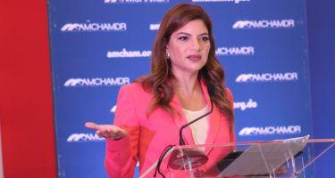 <p><strong>Paola Raineiri afirma abrir los hoteles es un acto de fe y compromiso con el pa&iacute;s</strong></p>