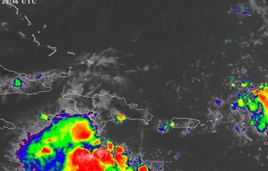 <p>Se aleja onda tropical, pero llega una vaguada este martes</p>
