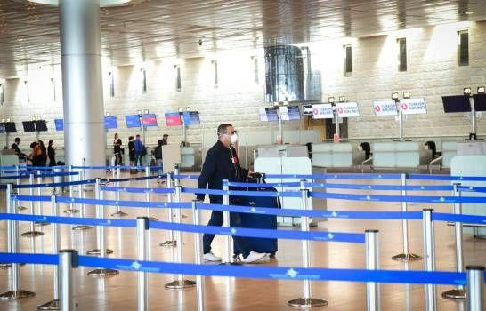 Ecuador estudia reanudar operaciones de aeropuertos el próximo 1 de junio