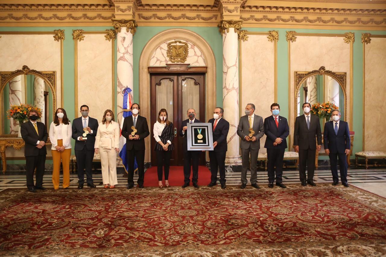 <p>AIRD reconoce pol&iacute;tica de puertas abiertas del presidente Medina</p>