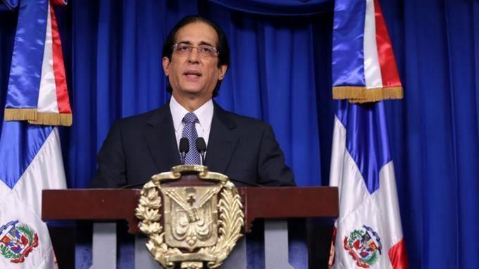 <p>Gobierno dice no ha tomado decisi&oacute;n sobre aumento de restricciones por la pandemia</p>