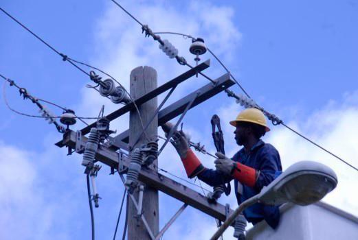 Edes explican facturas eléctricas subieron por alto consumo de clientes en cuarentena