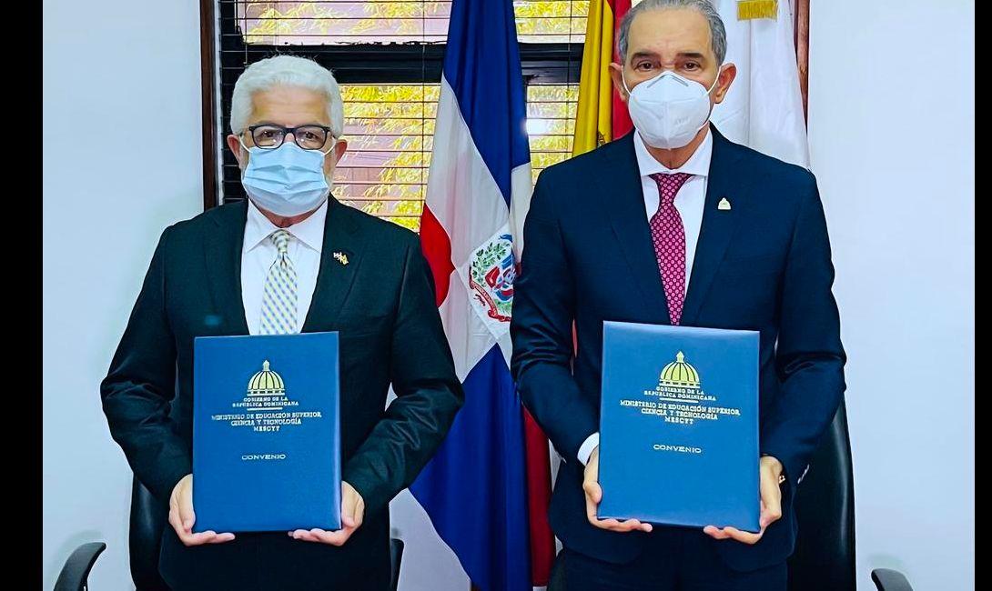 MESCYT y Cámara Oficial de Comercio de España firman acuerdo para facilitar inserción de becarios en el mercado laboral