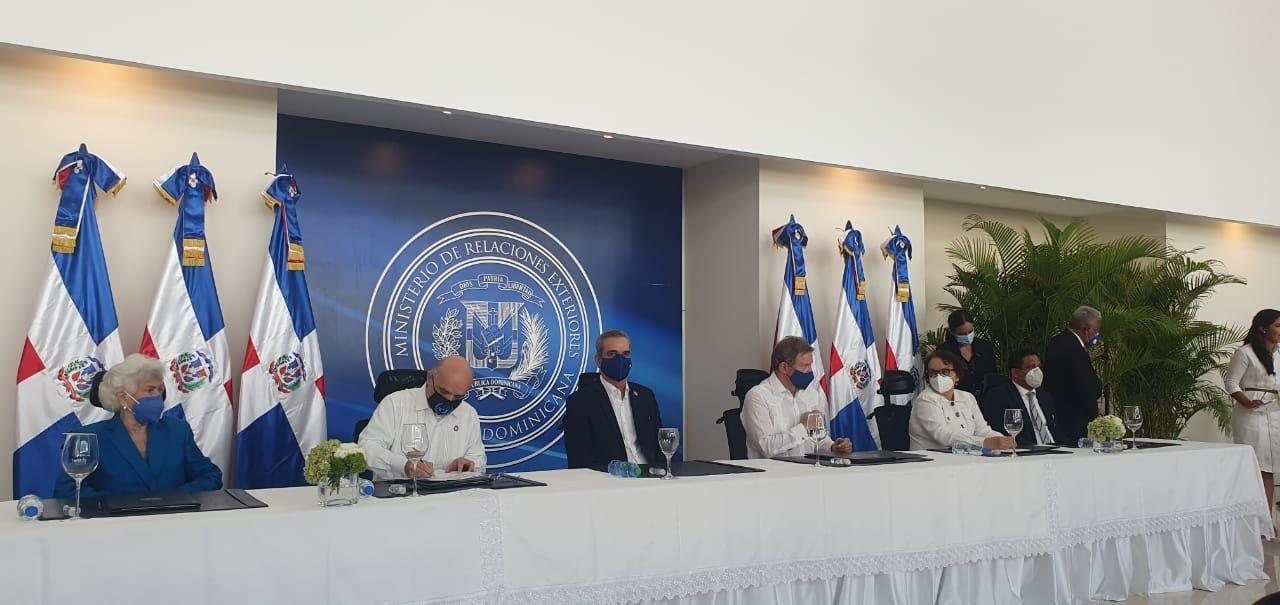 <p>Gobierno firma acuerdo con la ONU con el que&nbsp;buscan fortalecer lucha anticorrupci&oacute;n</p>