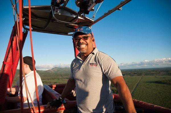 <p>T&eacute;cnico de IDAC vuela globos aerost&aacute;ticos entre aeropuertos B&aacute;varo y Punta Cana</p>