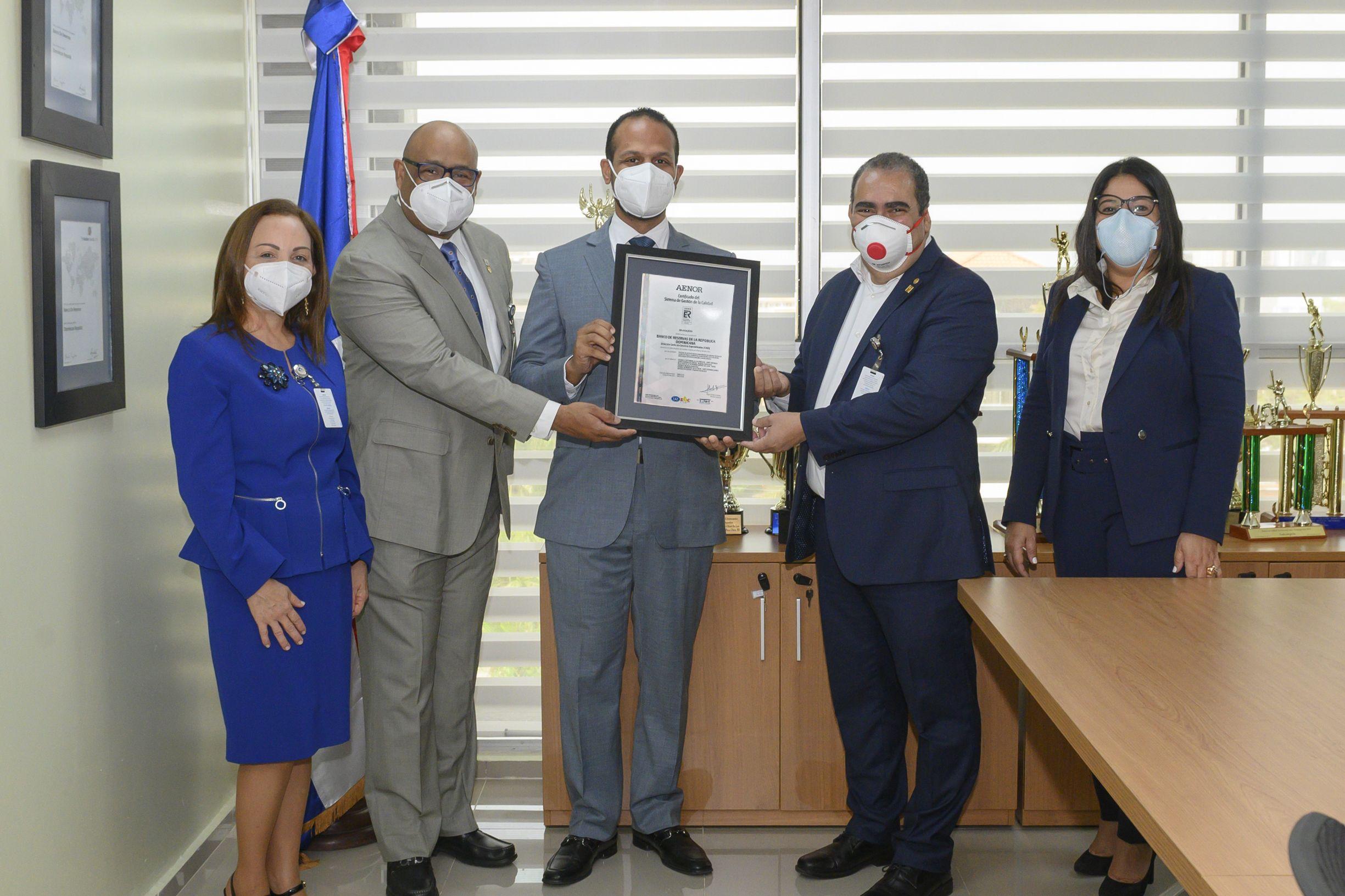 <p>Banreservas recibe certificaci&oacute;n en Gesti&oacute;n de Calidad ISO 9001-2015</p>
