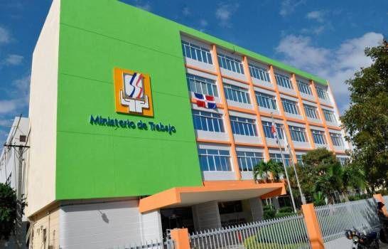 Unas 36,015 empresas solicitan suspender contratos a 434,620 trabajadores en el país