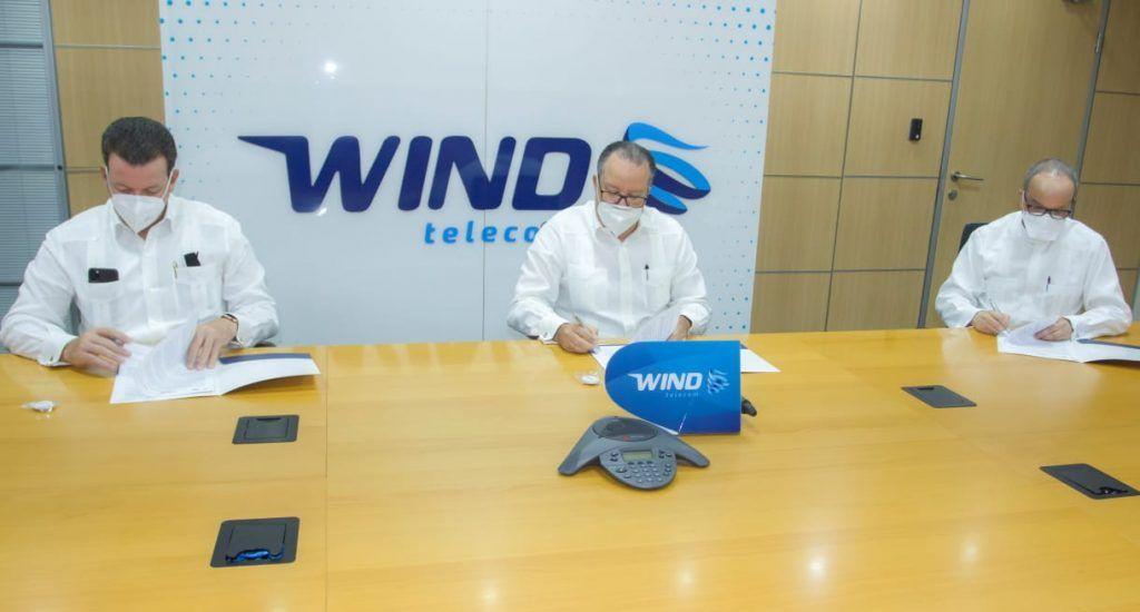 <p>Wind Telecom firma acuerdo permitir&aacute; conectividad en instituciones educativas</p>