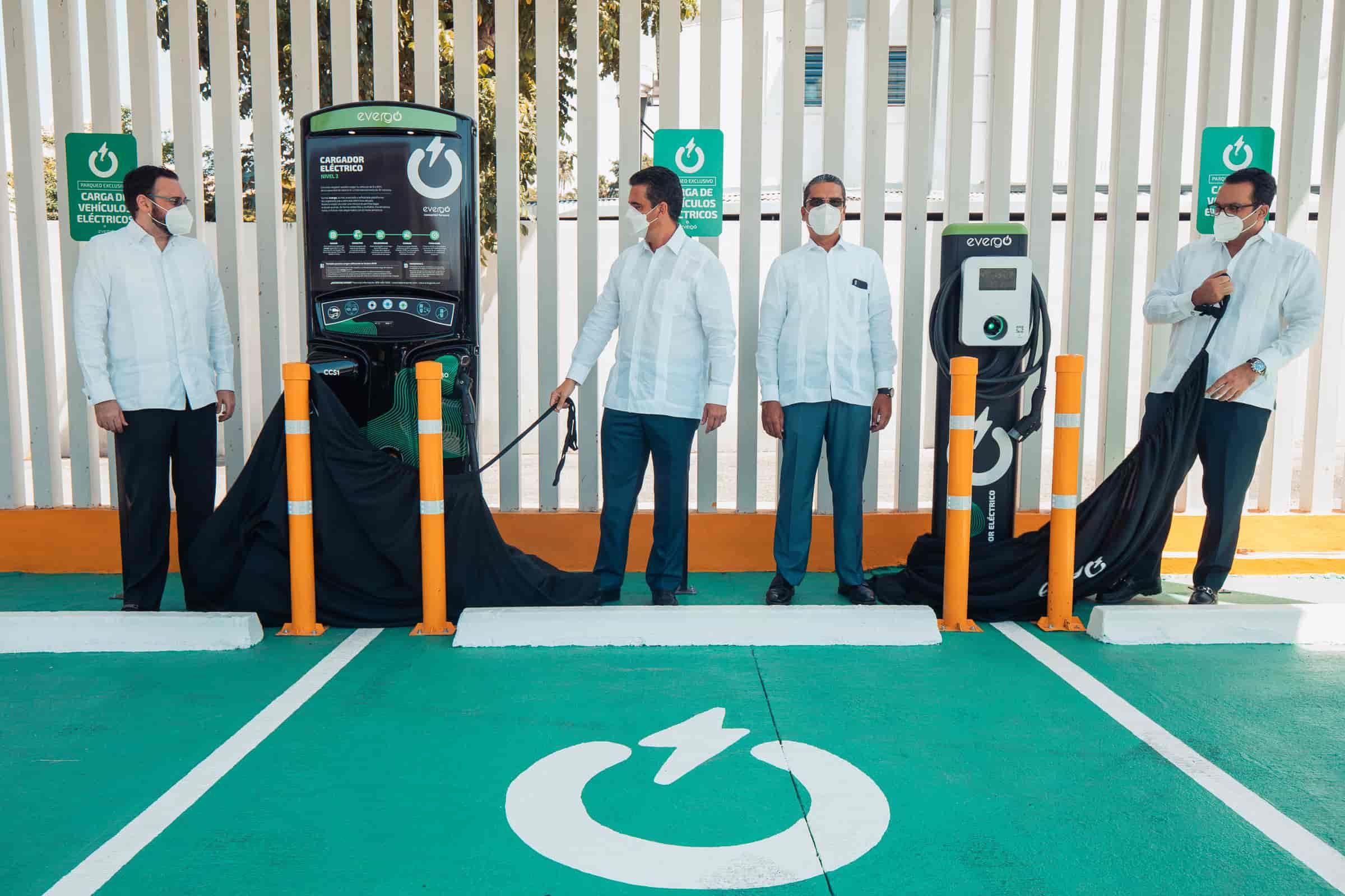 <p><strong>Popular e InterEnergy Group extienden a Santiago estaciones de carga inteligente</strong></p>