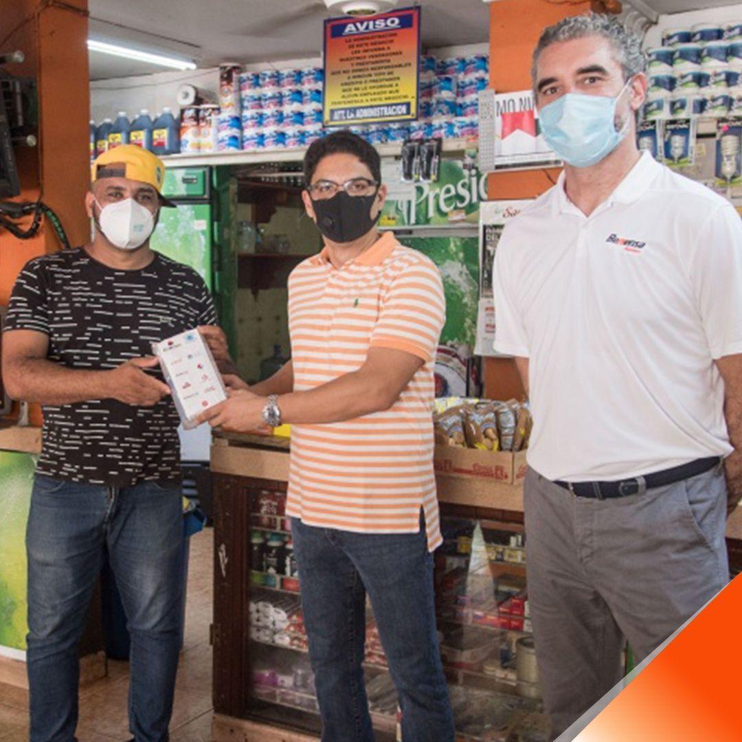 <p>ASIBENAS y empresas aliadas entregan 10 mil kits de protecci&oacute;n para colmaderos</p>