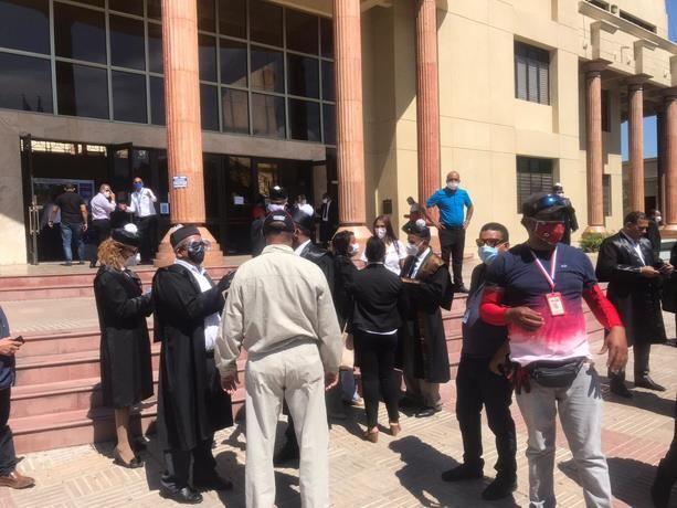 <h1>Abogados piden la reapertura total de las actividades judiciales</h1>
