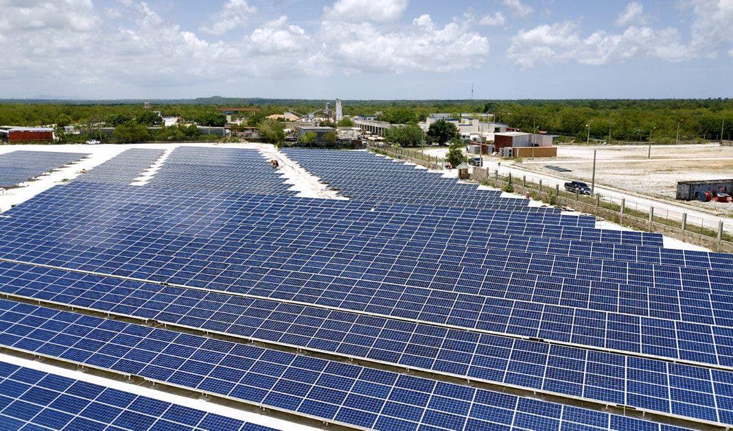 <p>Cap Cana y Grupo Mart&iacute; PG instalaron&nbsp;parque solar para producir energ&iacute;a de forma amigable</p>
