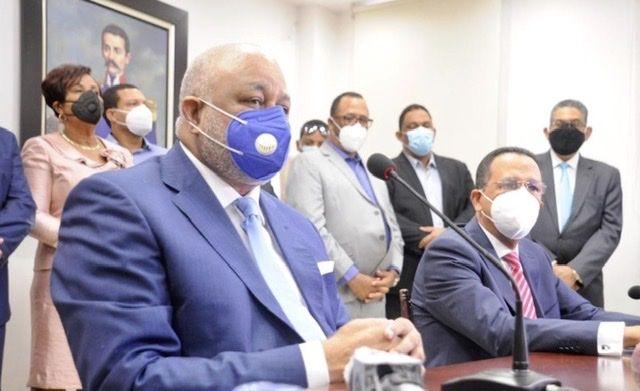 <p><strong>El doctor Roberto Fulcar asegura que la educaci&oacute;n cambiar&aacute; en Rep&uacute;blica Dominicana</strong></p>