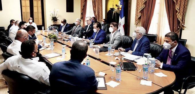 <p>Presidente Abinader y la AIRD tratan de fondos de pensiones</p>