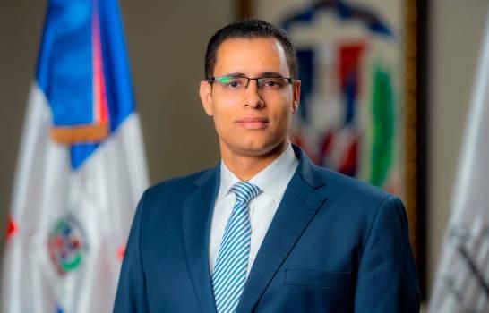"""Ministro de Economía hablará sobre """"Sostenibilidad: un reto público privado"""""""